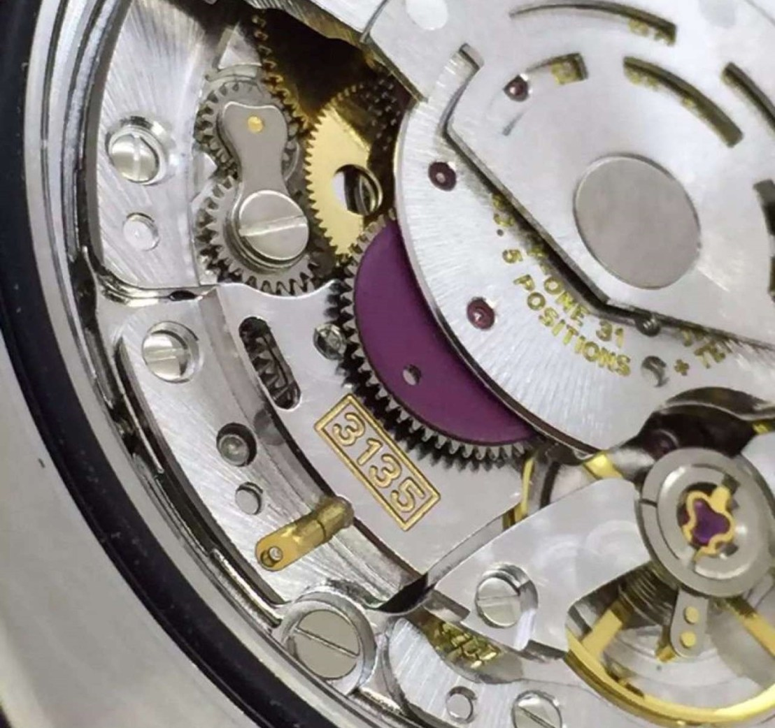 submariner-date-close-3135-rolex-mechanism4
