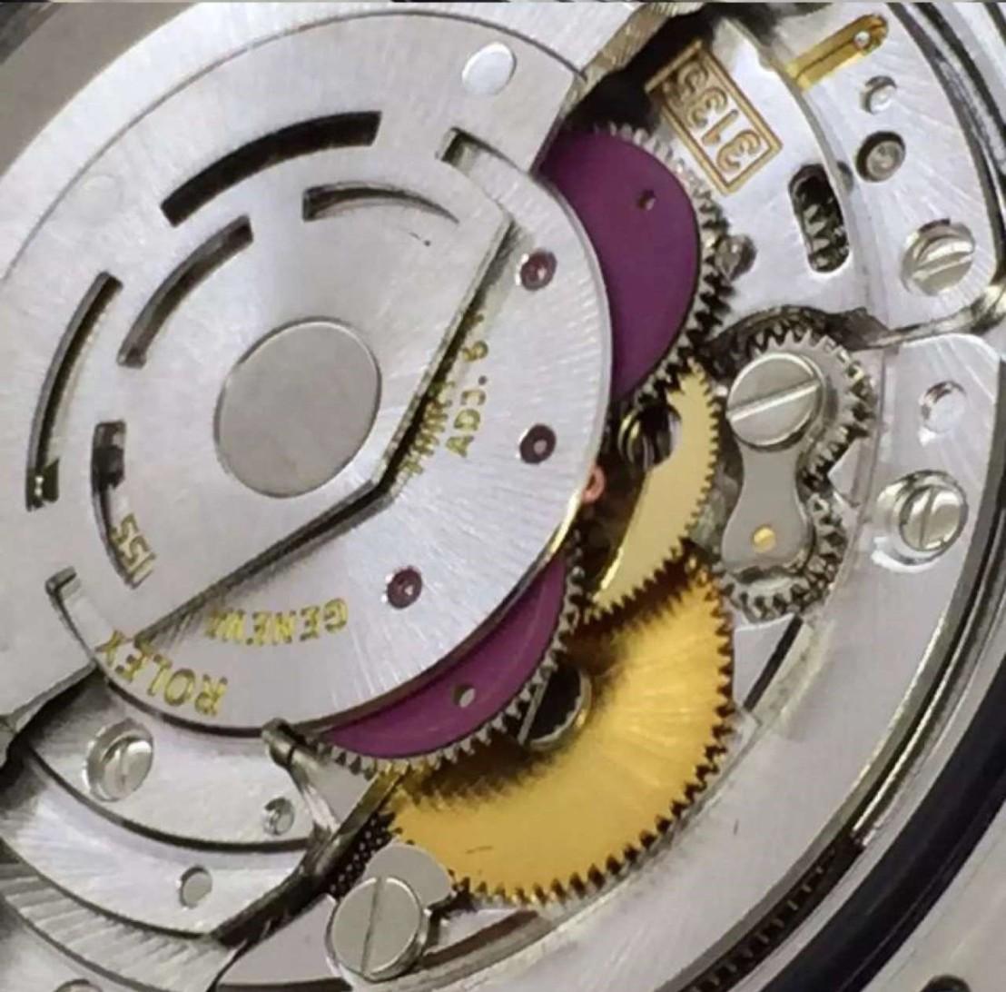 submariner-date-close-3135-rolex-mechanism5