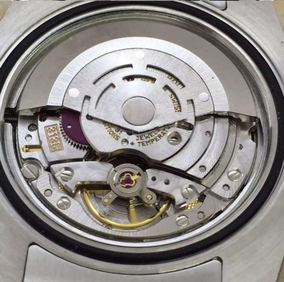 submariner-date-close-3135-rolex-mechanism6