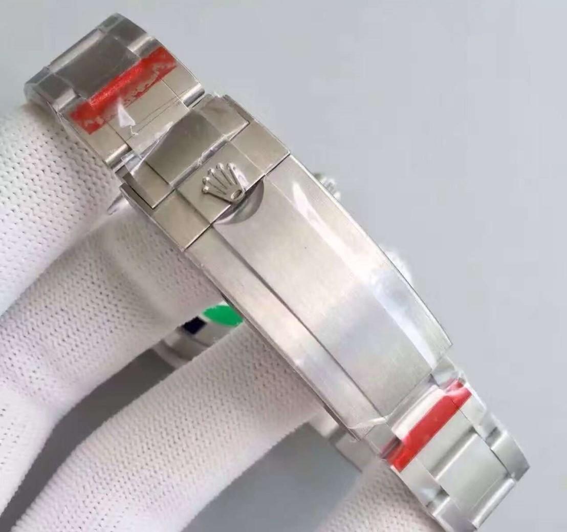 submariner-date-close-bracelet-back