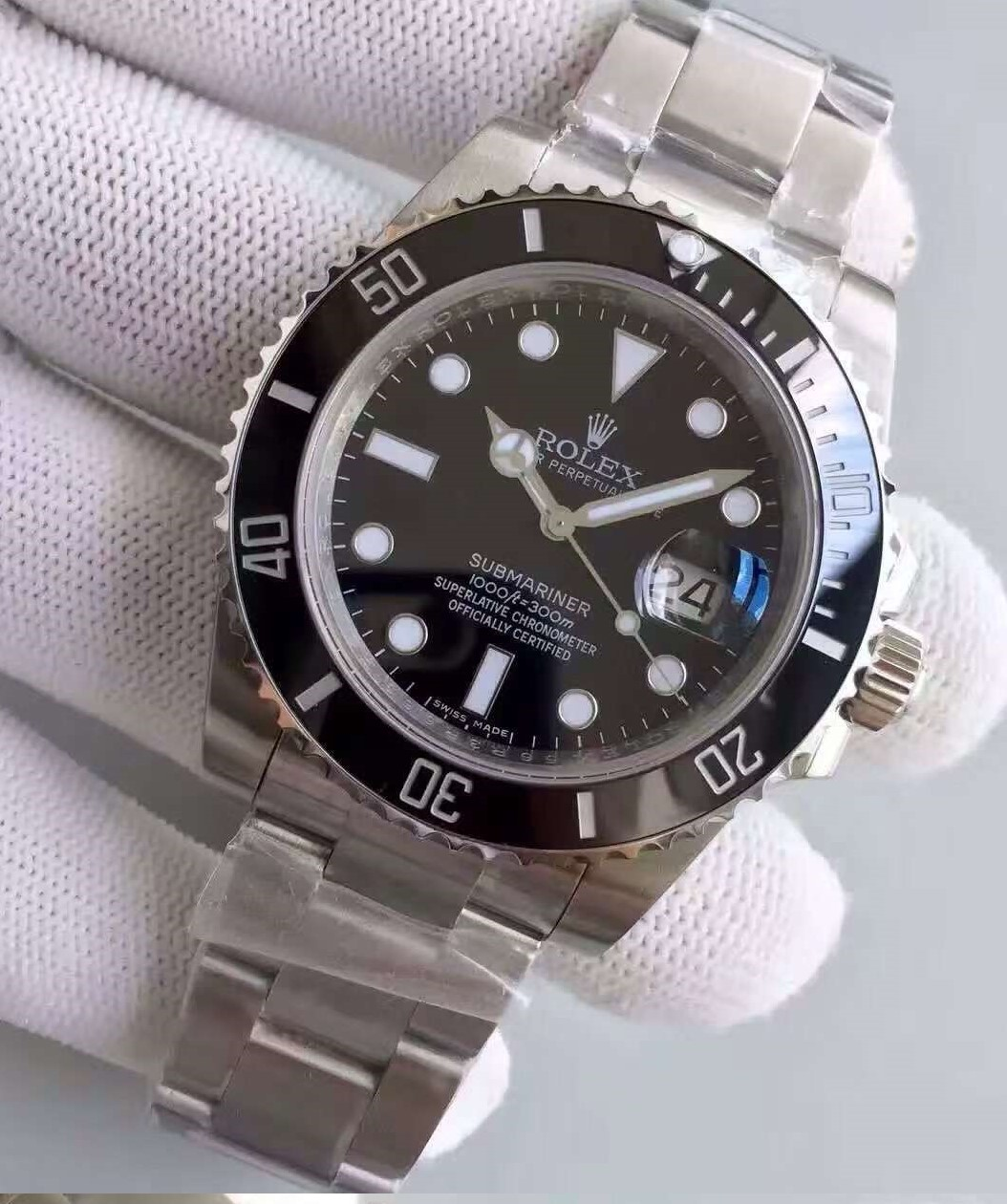 submariner-date-close3